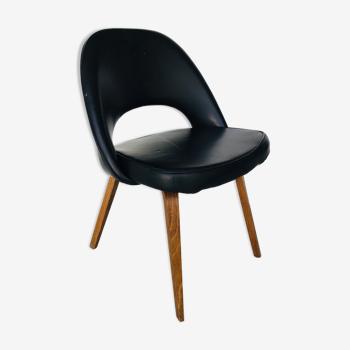 Chaise conférence similicuir noir par Eero Saarinen pour Knoll International - 1950