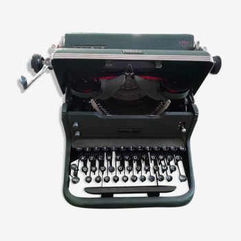 Machine à écrire Halda