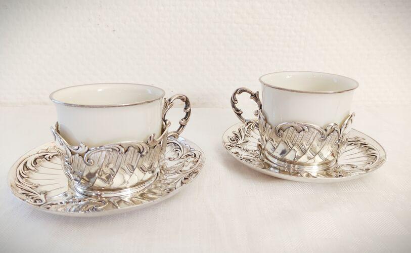 Duo de tasses a thé en porcelaine et métal argenté