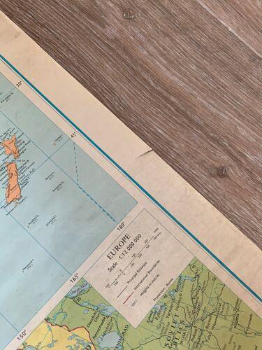 Carte du monde d'école anglaise map monde vintage 1980 George Philip & Son limited