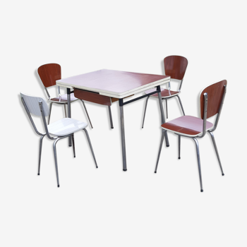 Table formica et 4 chaises