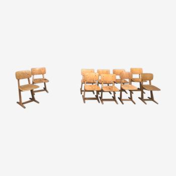 Série de 10 chaises enfant casala en bois clair vintage