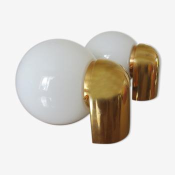 """Paire d'appliques """" Limburg """" opaline blanche et methacrylate doré années 80"""