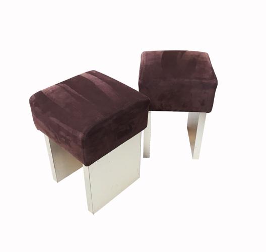Pair of square seats made of chocolate velvet calf