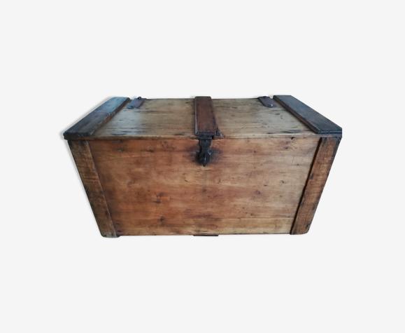 Coffre ancien bois ciré