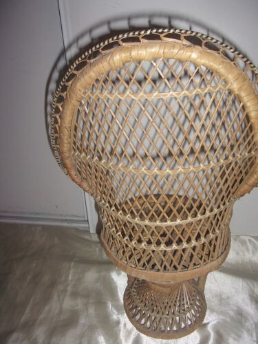 Large Emmanuelle style doll chair