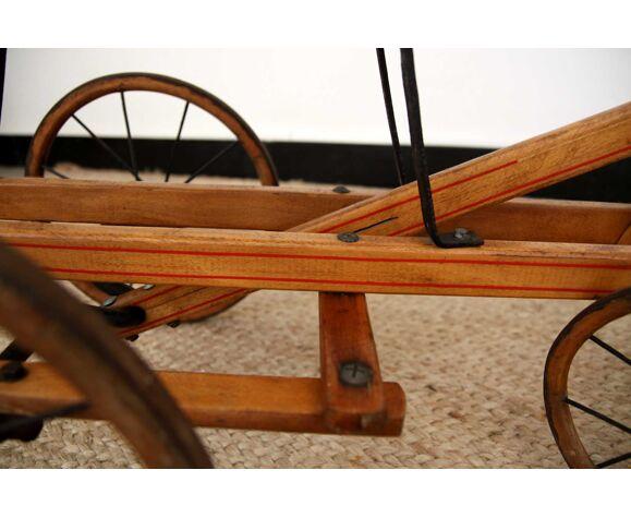 Tricycle quadricycle enfant ancien en bois