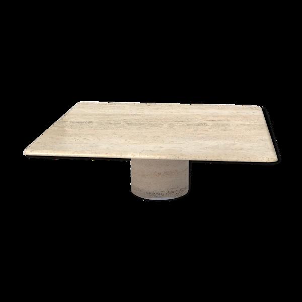 Table basse en trevertin