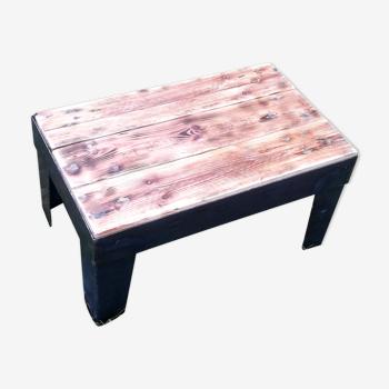 Table-basse industrielle en métal et bois