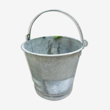 Seau ancien en zinc contenance 15 litres