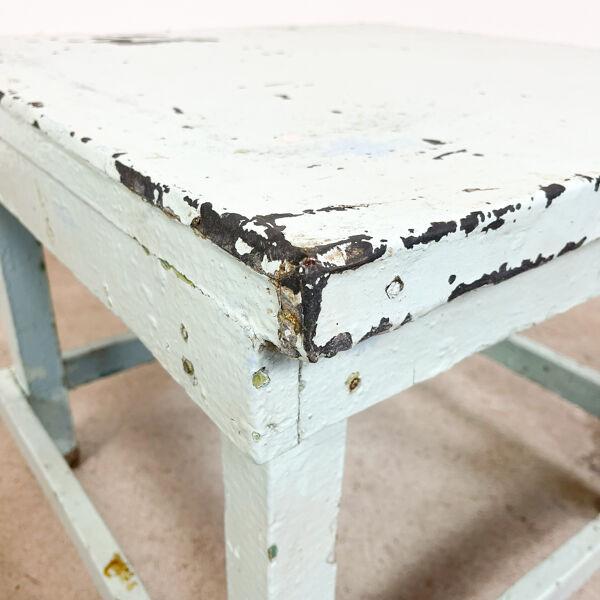 Table industrielle vintage avec plateau en zinc bleu