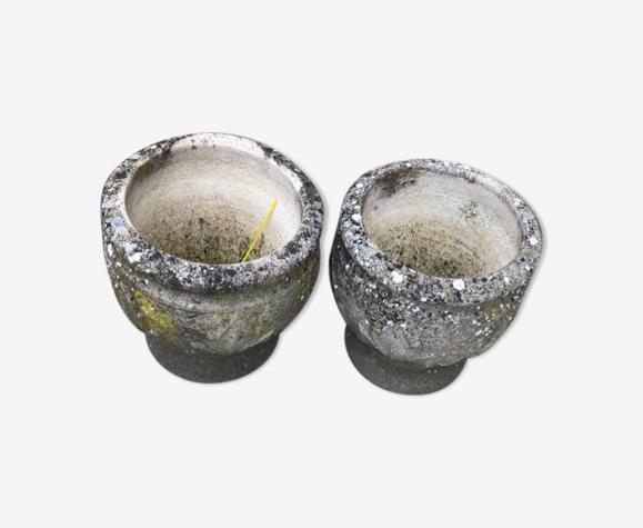 Paire de pots en ciment