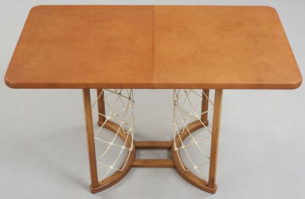 Table moderniste, vers 1940