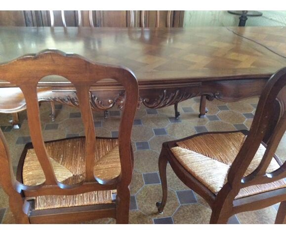 Table de salle à manger avec 6 chaises en noyer