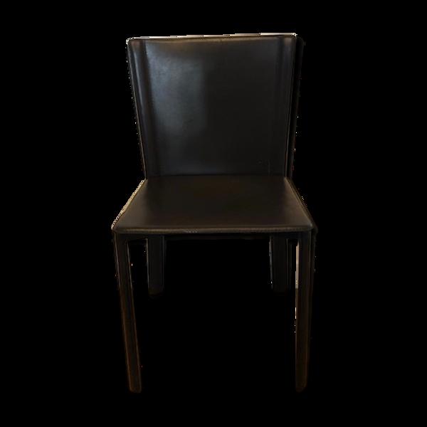 Chaise en cuir