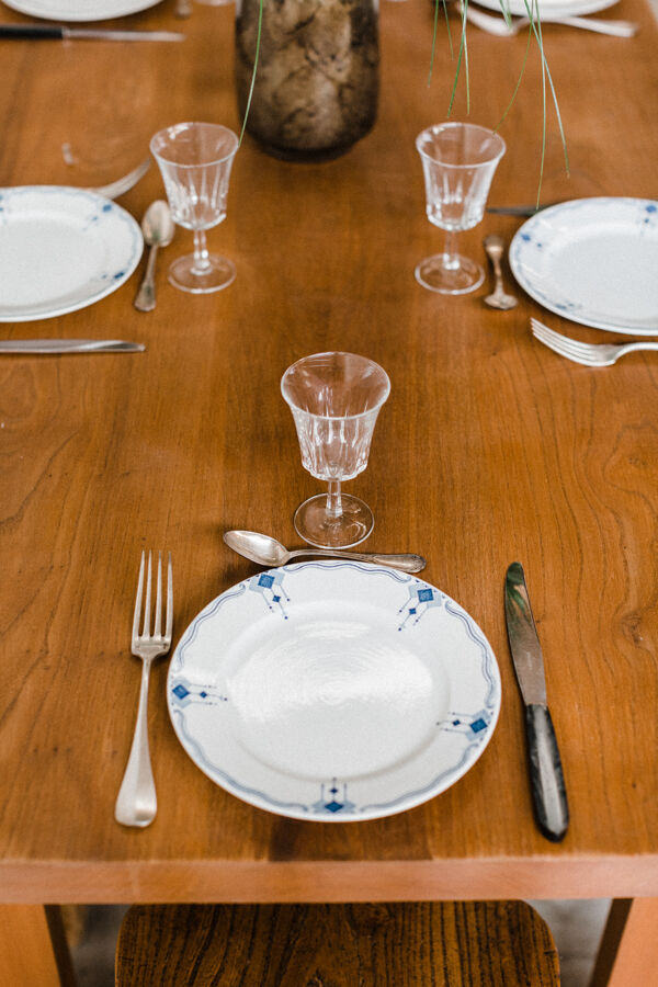 Table rectangulaire en orme « Jacinthe »