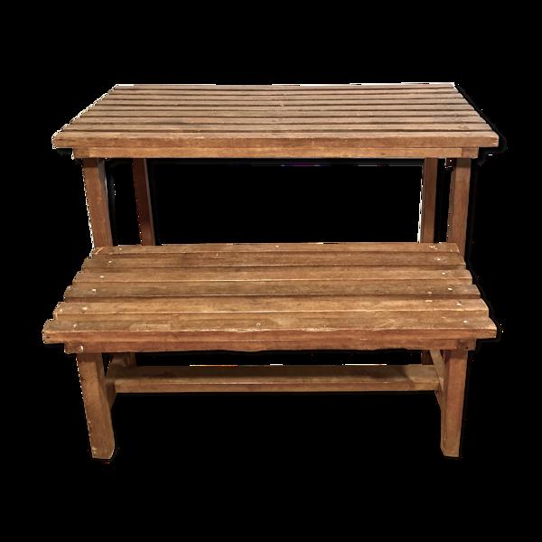 Table à lattes en bois et son banc