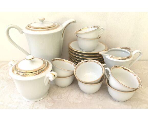 Service à café pour 10 personnes en porcelaine de Limoges