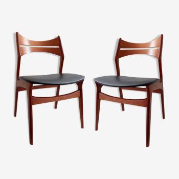 Un lot de deux chaises danoises modele 310 d'Erik Buck, 1960