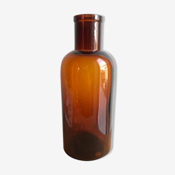 Brown glass pharmacy bottle