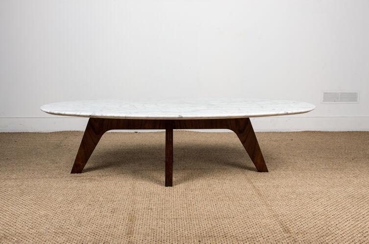 Table basse en marbre et palissandre par Hugues Poignant pour Roche et Bobois 1970.