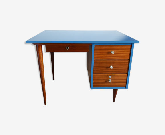 Bureau bleu suva