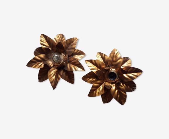 Paire d'appliques fleur, dorées