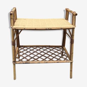 Table porte-revue en rotin