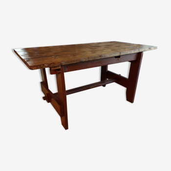 Table de montagne ancienne