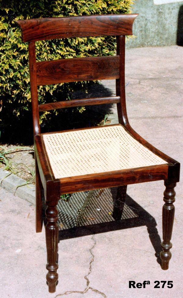 Chaise en bois d'acajou