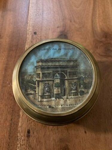 Boîte en laiton ancienne avec image arc de triomphe