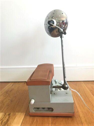 Lampe Vintage au design Industriel par Robin Demeto