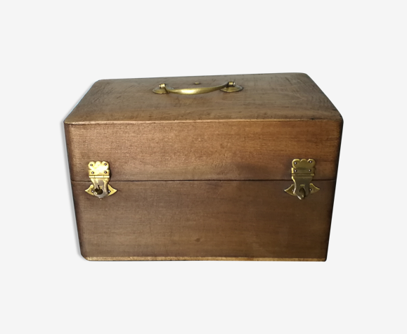 Boîte en bois ancienne