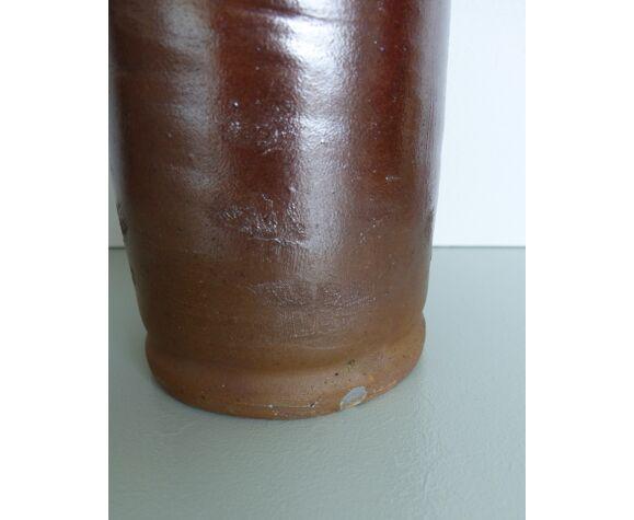 Bouteille en grès marron irisé