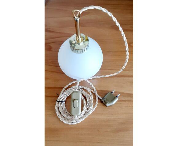 Baladeuse globe opaline