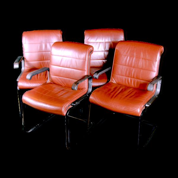 Ensemble de quatre fauteuils en cuir par Richard Sapper pour KNOLL
