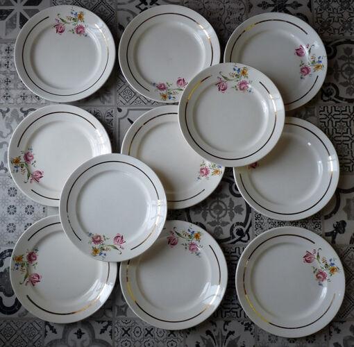 Ensemble de 11 assiettes demi-porcelaine Badonviller France 1923
