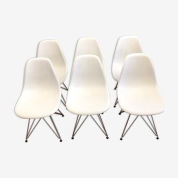 Suite de 6 chaises modèle DSR de Charles et Ray Eames édition vitra