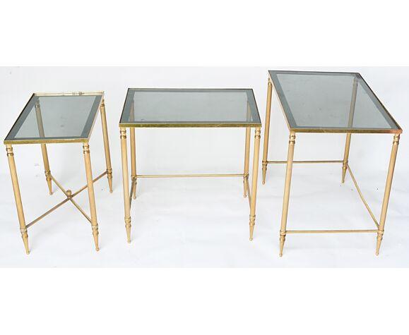 3 tables gigognes en laiton doré
