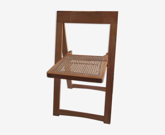 Chaise pliante en cannage