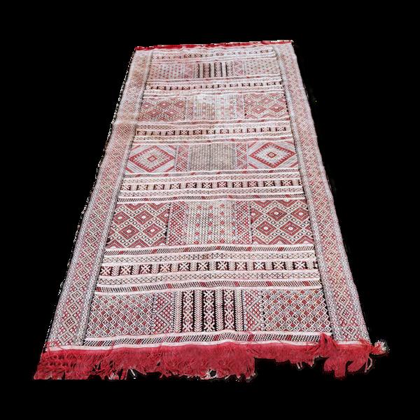 Tapis kilim brodé 123x243cm