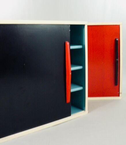 Paire de bibliothèques à portes coulissantes