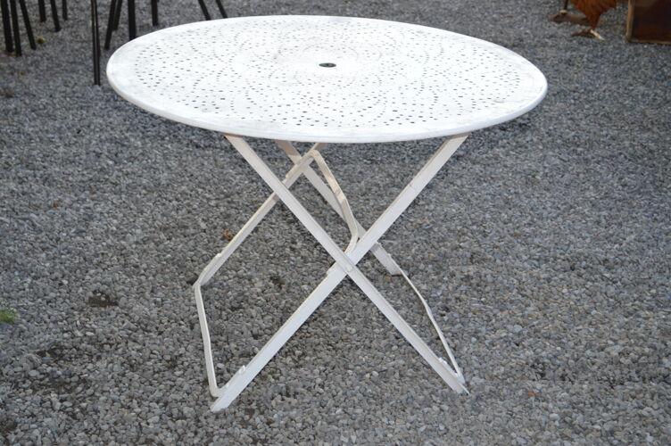 Table de jardin pliante en fer forgé