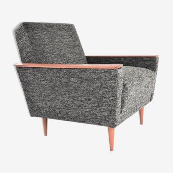 Black buckled square chair mottled