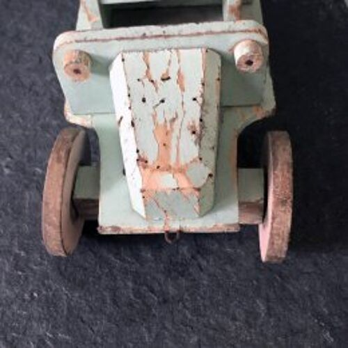 Jouet camion de laitier en bois