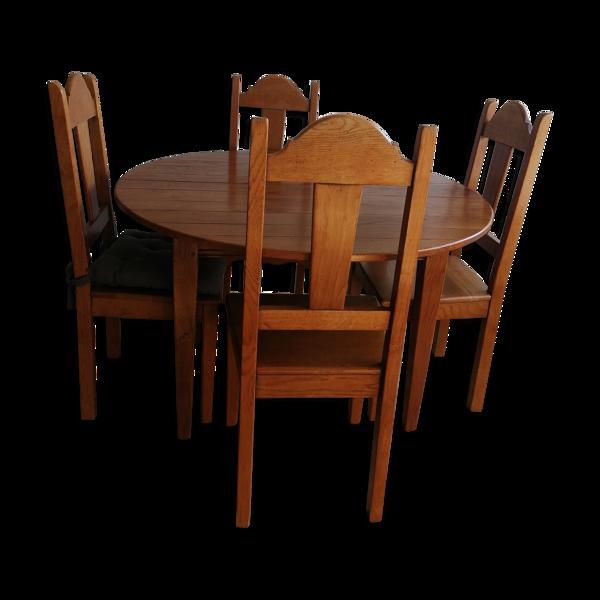 Table en chêne et chaises