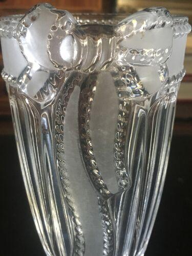 Vase au ruban
