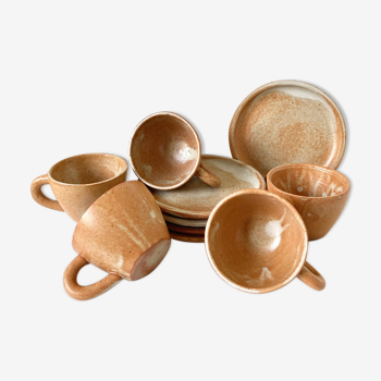 5 sandstone cups and plates