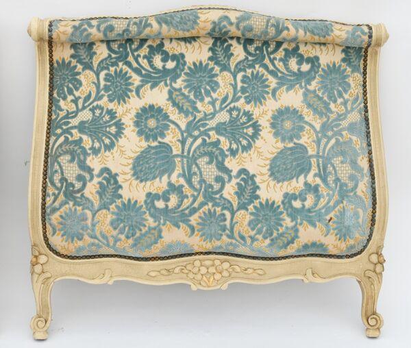 Lit de style Louis XV