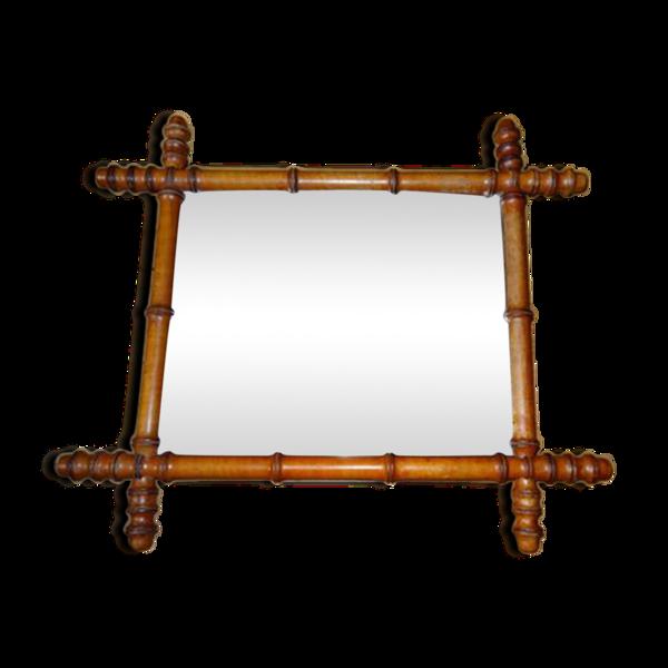 Miroir au cadre en bois imitant le bambou